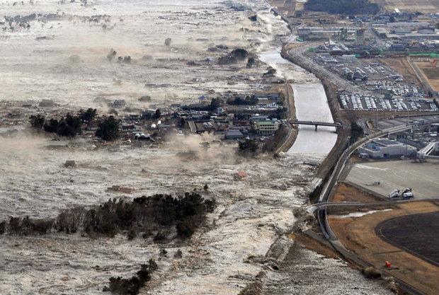 هشدار وقوع سونامی در پی زلزله شدیدِ اندونزی