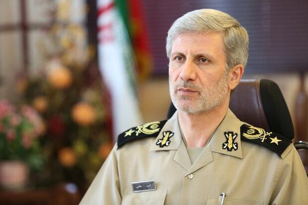 وزیر دفاع: رزمایش نیرو های مسلح طبق برنامه انجام می شود