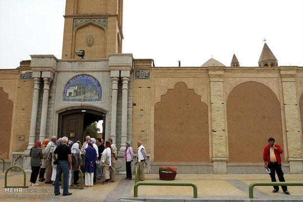صنعت گردشگری اصفهان با حلوا حلوا کردن شیرین نمی گردد