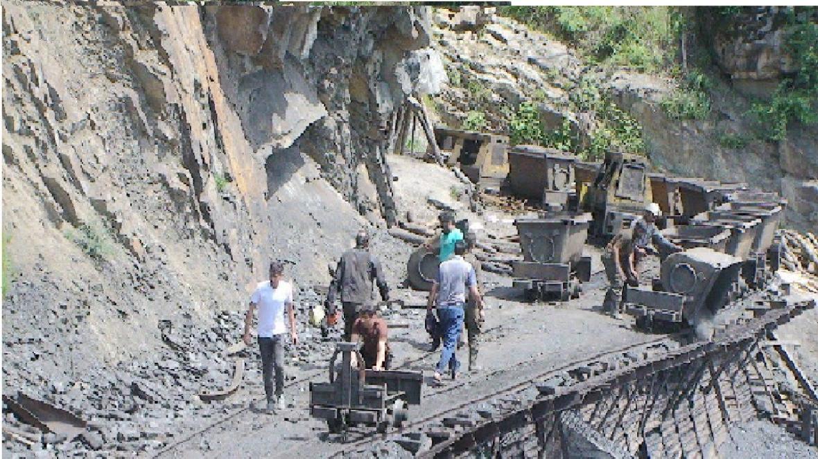 هیچ معدنی به خاطر کرونا تعطیل نیست ، کارگر مبتلا به کرونا نداریم