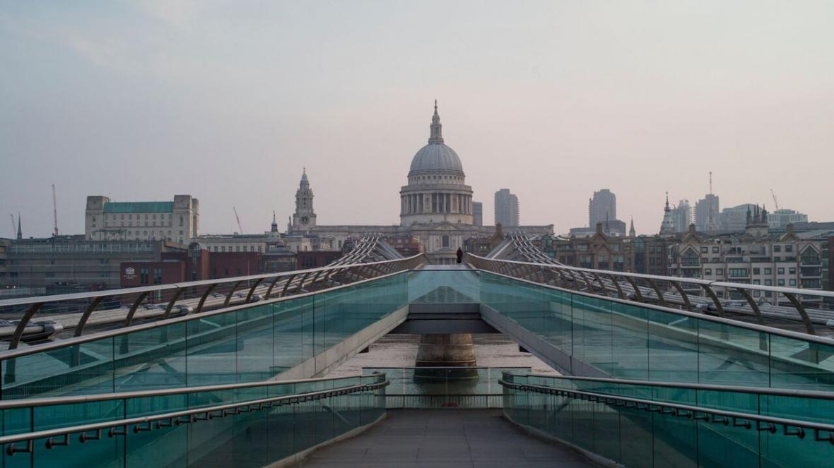 خبرنگاران سقوط یک سوم اقتصاد انگلیس به دلیل کرونا