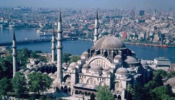 بازگشایی مسجد ایاصوفیه اقدامی شجاعانه بود، انگلیس برای اسلام زدایی عبادتگاه مسلمانان را به موزه تبدیل کرد