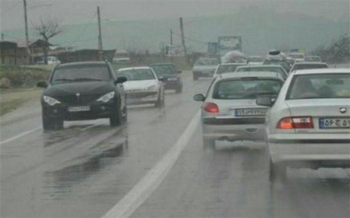 بارش باران در جاده های 5 استان
