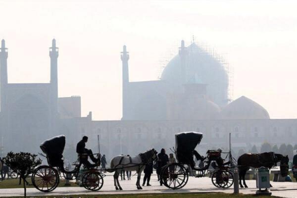 آلودگی هوای اصفهان روی شاخص 242